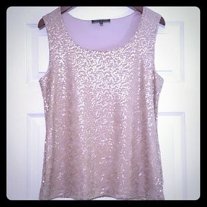 Jones New York Tops - ⭐️{Jones New York Collection} Gold Sequins Top⭐️