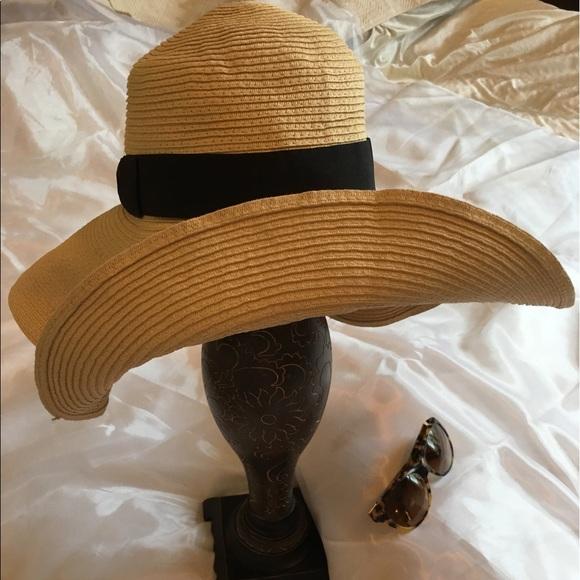 d7689cb1d XL brim straw hat & Ralph Lauren tortoise glasses