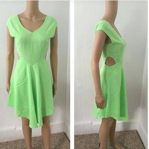 Dresses & Skirts - NWT light green lined side cutout dress
