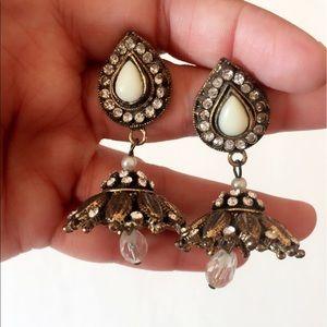 #B12 Antique Style Off-white teardrop Earring