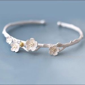 Ira Kara Jewelry - Sterling Silver 925 Blossom Flower Bracelet Bangle