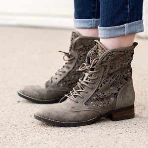 naughty monkey Shoes - Tan Lace Up Embroidery Combat Boot