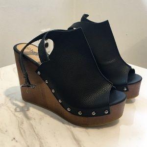 Krush Shoes - NWT Krush Heels