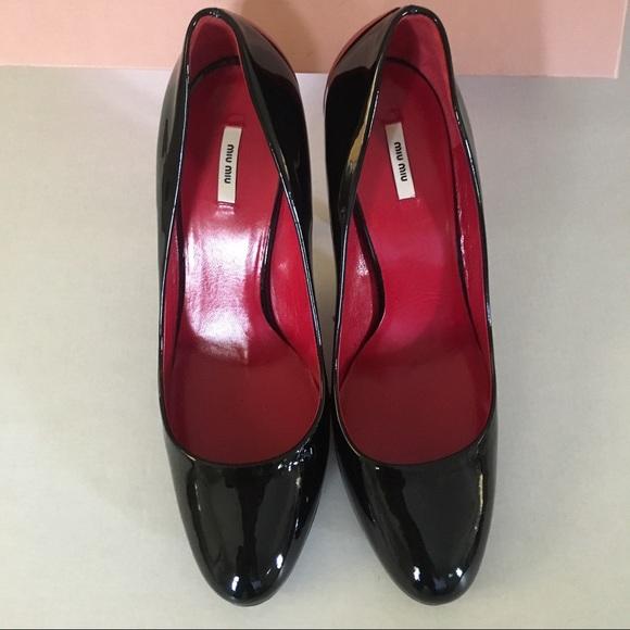 Miu Miu Schuhes    Schuhes Calzature Damenschuhe schwarz Patent Pumps 375   Poshmark f04e03