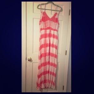 NWT Flying Tomatoes Pink and White Maxi Dress