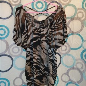 AB Studio Tops - AB Studio top criss cross in back short sleeve L
