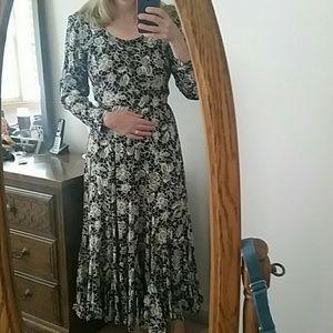 Nostalgia Dresses & Skirts - Unique rayon dress