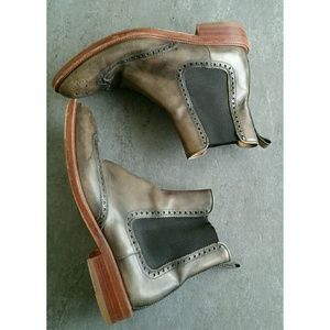 Magnanni Other - Magnanni Distressed Leather Chelsea Boots Sz 10
