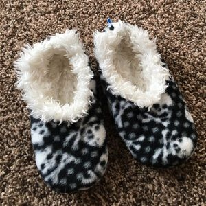 SNOOZIES SLIPPERS KIDS SIZE 11/12