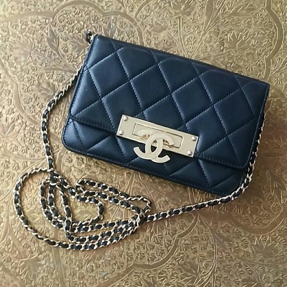 900a4e4a1a6a7b CHANEL Handbags - ✨CHANEL✨ Golden Class Wallet on a Chain WOC BLACK