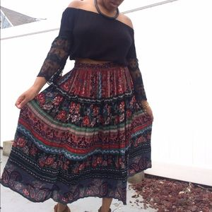 Dresses & Skirts - Vintage MultiColor Printed Boho Circle Skirt
