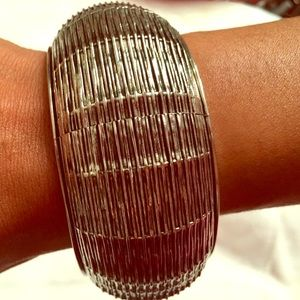 Jewelry - Vintage Stainless Bangle