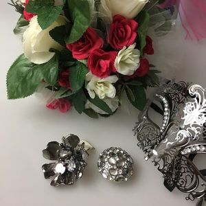 Jewelry - Rhinestone Flower And Dome Rings