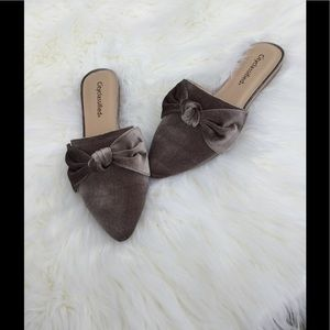 City Classified Shoes - 3❗️Left ❗️SALE 5 ⭐️ Velvet Bow Mule-Taupe
