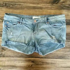 Garage Pants - Distressed jean shorts