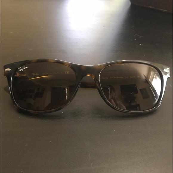 5058132daf2 Ray ban new wayfarer sunglasses. M 58f5346941b4e034f301ce6f