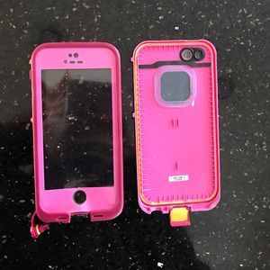 "LifeProof Accessories - A ""frē"" lifeproof case for iphone 5 or 5s"