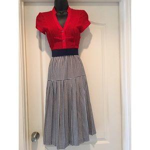 Navy blue & white houndstooth skirt