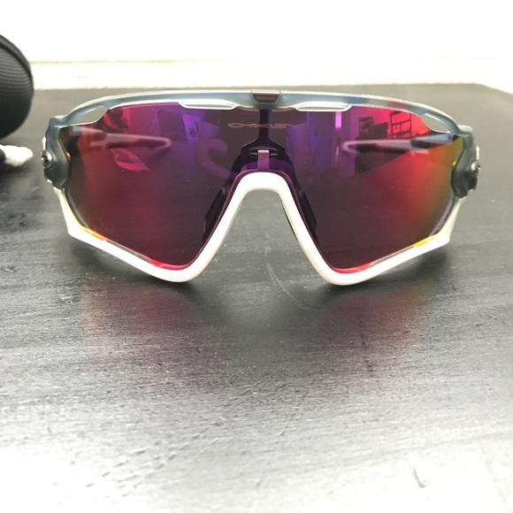 Oakley Jawbreaker Road Tour De France Glasses. M 58f54fadb4188e5cc9030b96 5a8a6e7462fd