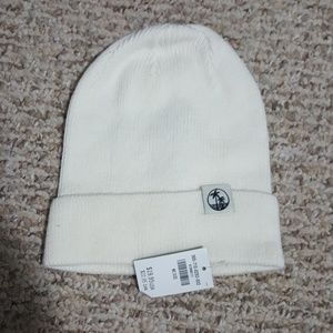 Hollister Accessories - Hollister knit hat