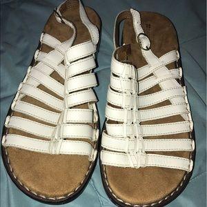 Naturalizer Shoes - NWOT. Naturalized sandals size 9.5