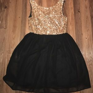 Pinky Dresses & Skirts - Sparkling Gold and Black Dress