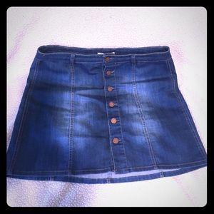 I'm so retro! Button front denim skirt