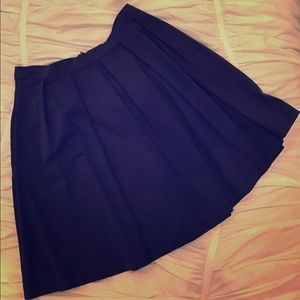 High waist pleated navy skirt