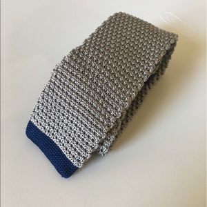 The Tie Bar Other - The Tie Bar gray knit skinny tie
