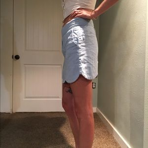 Dresses & Skirts - High-waisted boutique Pebbles skirt