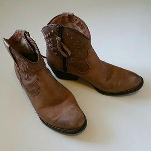 Born Shoes - Born boots size 7.5