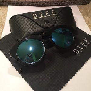 Diff Eyewear Accessories - Dime Sunglasses