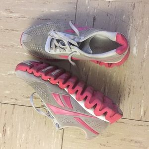 Reebok Shoes - Reebok women pink and grey zigs running shoes.