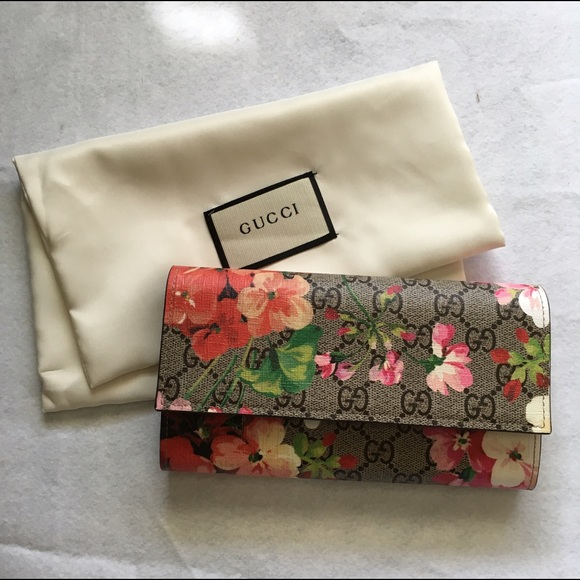 20c17584d3a4f9 Gucci Bags | Gg Blooms Continental Wallet | Poshmark