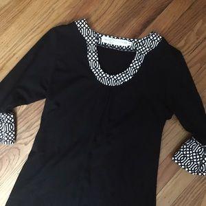 Tracy Negoshian Dresses & Skirts - Tracy Negoshian Bell Sleeve Dress