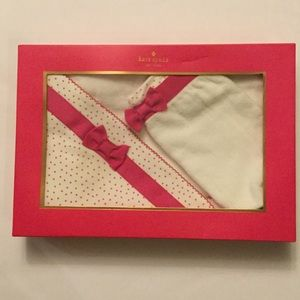 New with tags KATE SPADE baby towel and wash mitt