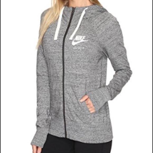 e31ef9cd694d Nike Women s Gym Vintage Full Zip Hoodie Small. M 58f578cbea3f36422e140ced