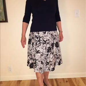 Talbots skirt 10 black and white fully lined