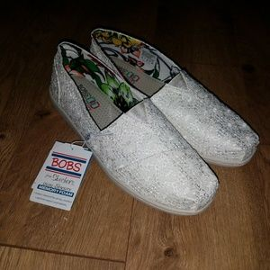bobs Shoes - NWT White lace bobs