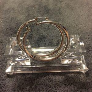 Jewelry - NWOT silver toned earrings