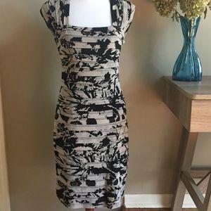 Adrianna Papell Dresses & Skirts - Adrianna Papell Sheath Dress EUC