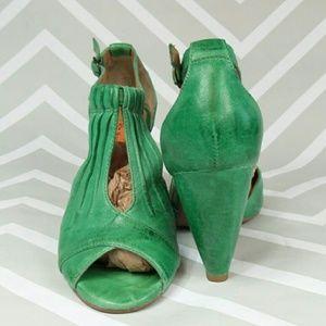 Miz Mooz Shoes - 💥 Miz Mooz leather heels