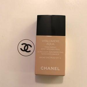 CHANEL Other - Authentic new vitalumiere aqua foundation
