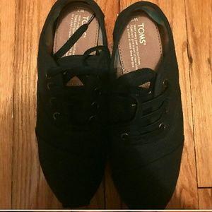 TOMS Shoes - Adorable Toms Cordones