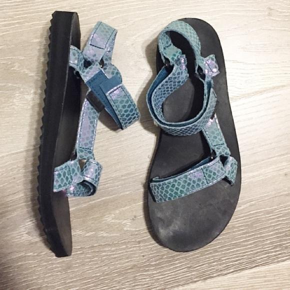 5bbbcc094e0281 Teva Shoes - Women s Teva Mermaid sandals