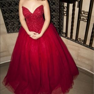 Dresses & Skirts - Red gown