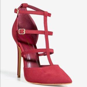 SHOE REPUBLIC LA Shoes - 👠NEW! Down The Middle Pump👠