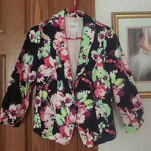 Candie's Jackets & Blazers - Fun floral blazer with a flattering fit