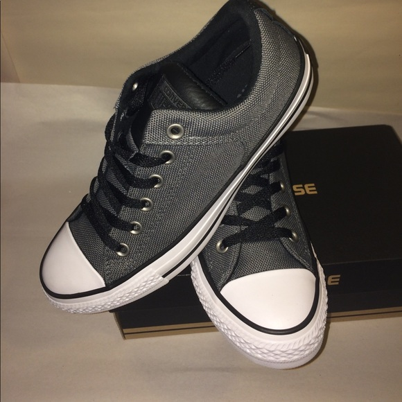 d706dfbe641 Converse Chuck Taylor All Star High Street Oxfords