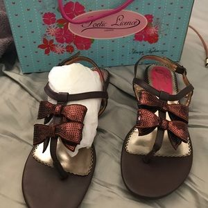 Poetic Licence brown bow sandal size 8
